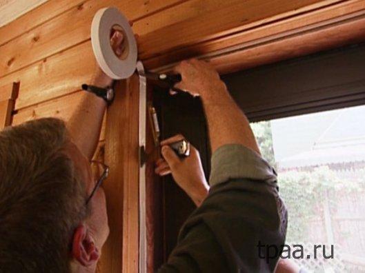 Как самостоятельно утеплить входную дверь