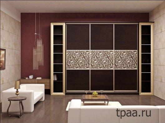 Шкафы-купе для гостиной комнаты: как выбирать?