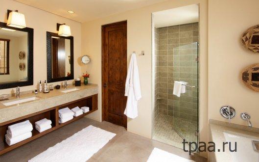Двери для ванной. Интерьер ванной комнаты