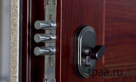 Металлические двери — гарантия безопасности.