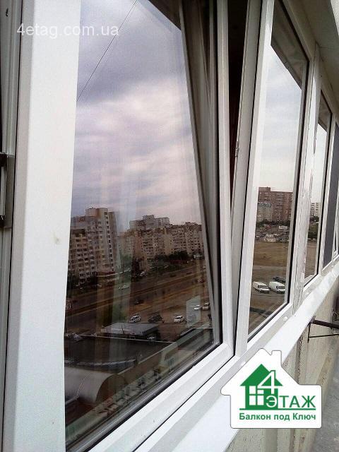 Нужна фирма по остеклению балконов? Факторы выбора, варианты
